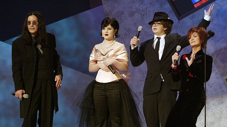 Ozzy Osbourne: still lively, still singing8