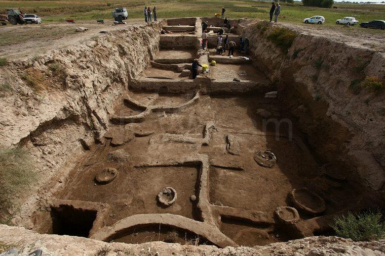 Aknashen-neolithic-site-1.jpg