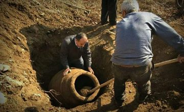 2,000 Years Old Jug Discovered in Malatiya, Historical Armenia