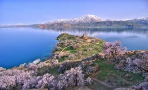 3,000 Years Old Armenian Castle Found in Lake Van