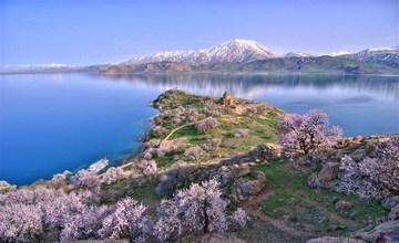 3,000 Years Old Armenian Castle Found in Lake Van