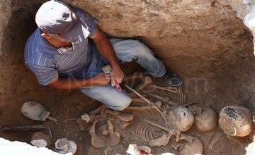 Massive Burial Site in Karashamb – Armenia