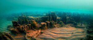 Ruins of a 3000-year-old Armenian castle found in Lake Van – Turkey